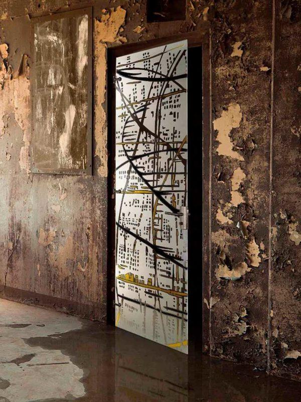 Стеклянная межкомнатная дверь в урбанистическом стиле