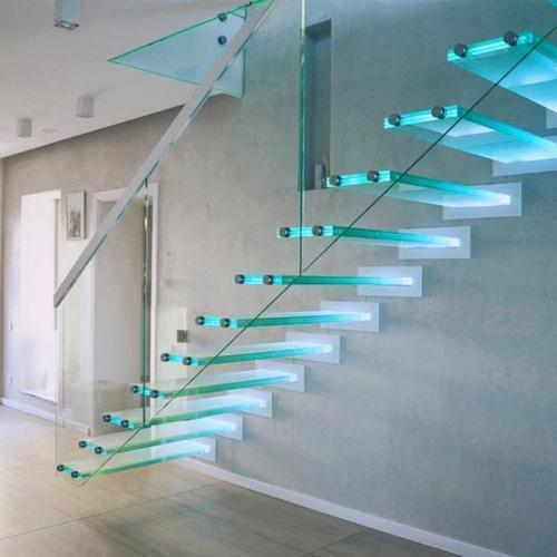 Каталог стеклянных лестниц