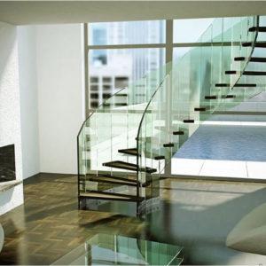 Эффектная лестница из стекла