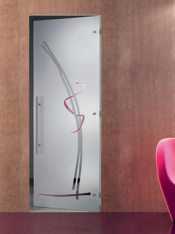 Межкомнатная матовая дверь из стекла