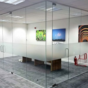 Офисные стеклянные перегородки
