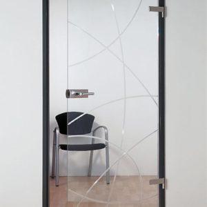 Стеклянная межкомнатная дверь с узором